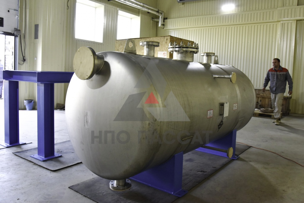 Atmospheric glycol tank2--2.jpg